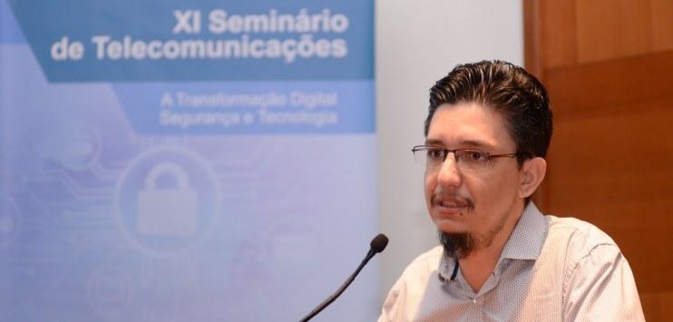 Felipe Faleiro apresenta serviços Serpro no Centro de Eventos da Fiergs  [foto: Jonathan Heckler/Fiergs]