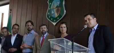 """Motoristas do Ceará já podem levar o """"documento do carro"""" no celular"""