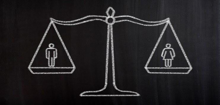 Ilustração de uma balança equilibrando uma figura masculina e outra feminina